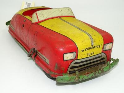 Vintage Wyandotte tin litho WY-651 windup convertible coupe, 12""