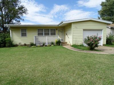 1720 N B, Wellington KS ~ 2 Bedroom, 1 Bath, 1029 sqft
