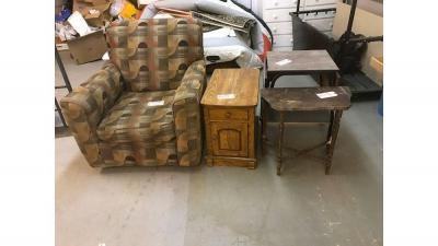 Multi colored swivel chair, wooden end tables, rolling table w/drop down sides