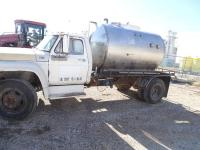 1978 Ford F-600 gas truck, 4&2 speed, 1600 gal stainless steel liquid tank plus liquid discharge pump