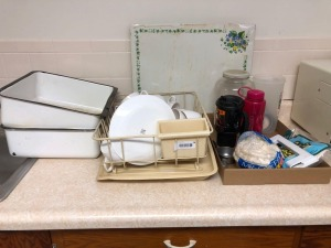 Kitchen Items incl dish drainer, plastic coffee/tea cups, enamel wash pans, more