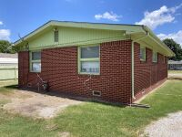 616 N Delrose, Wellington KS ~ 3 BR, 1 BA, 1415 sf, Full Brick Ranch - 29