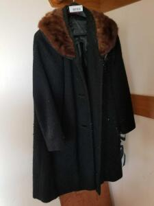 Vintage Women's Coats Mar-Del by Rice Wool Jacket with Fur Collar and DonnyBrook Mid-Length Fur Coat