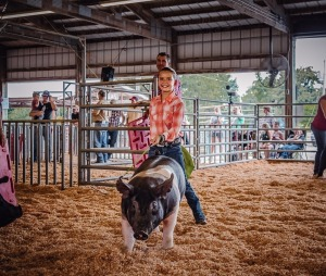 Brinley Keesey,1st Blue Swine Tisdale 4-H, Winfield