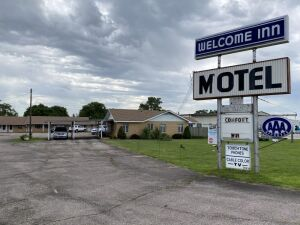 12 Room Motel, Welcome Inn, 1101 E Hwy 54, Kingman KS