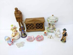 Jewelry Boxes, Music Boxes and Trinkets