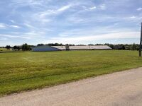 104 N Ridge Rd, Wellington KS -- 5 Bedrooms | 2.5 Baths | 3283 sqft | 4.3 Acres - 15