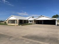 104 N Ridge Rd, Wellington KS -- 5 Bedrooms | 2.5 Baths | 3283 sqft | 4.3 Acres - 16