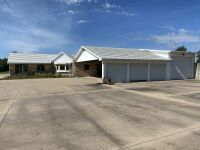 104 N Ridge Rd, Wellington KS -- 5 Bedrooms | 2.5 Baths | 3283 sqft | 4.3 Acres - 19