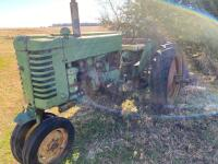 "1952 JD ""MT"" gas tractor, narrow front, 2pt hitch, no draw bar, Ser #38711, plus older rotary mower, runs"