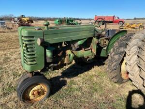 "1951 JD ""MT"" gas tractor, narrow front, rear belt pulley, 2 pt hitch, Ser #32536, does not run"