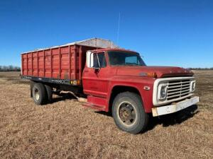1972 Ford 600 truck w/Parkhurst 15' bed, single cylinder hoist, 4&2 speed, metal sides, runs