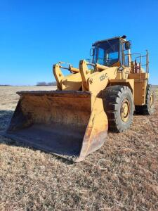 Clark 125C Articulated front loader, 10' bucket, Cummins diesel engine, runs, 647 hrs on meter, brakes don't work