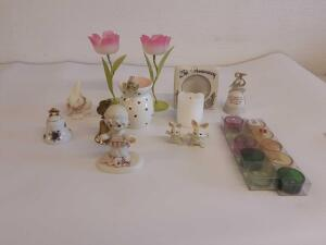 Johnathan David Enesco figurine and other decorative items