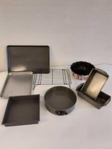 Kitchenware/ Pans